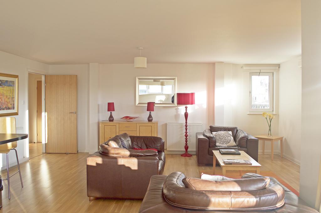Luxury-Accommodation-Edinburgh---West-Tollcross-Apartments-Near-Grass-Market---Urban-Stay-11