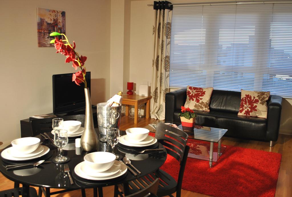 Luxury-Accommodation-Edinburgh---West-Tollcross-Apartments-Near-Grass-Market---Urban-Stay-9