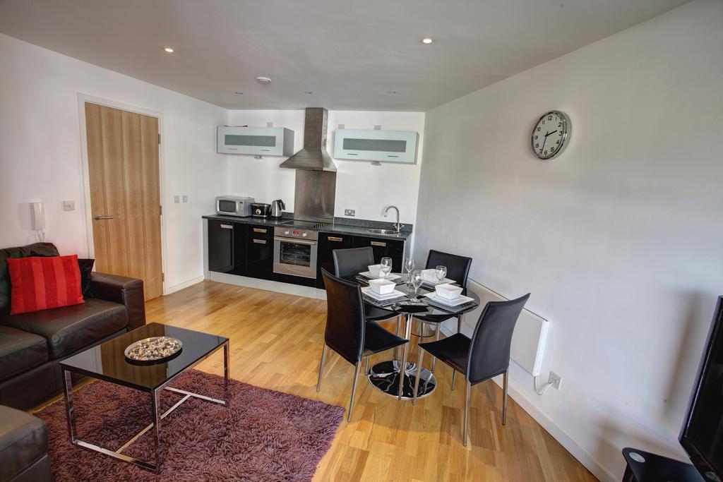 Luxury Accommodation Leeds-East Street Apartments Near Royal Armouries Museum Leeds-Urban Stay 15