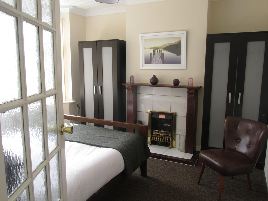 Luxury Accommodation Luton-Milton House Apartments-Luton Central Library-Urban Stay 1