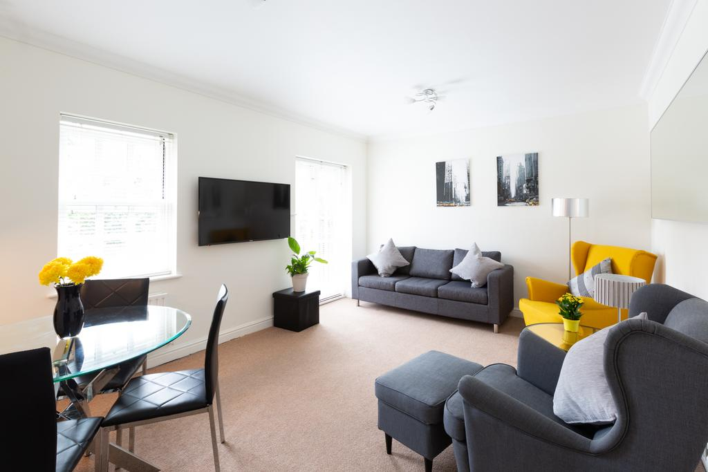 Luxury-Accommodation-St-Albans ---Chime-Square-Apartments-near-Highfield-Park---Urban-Stay-3