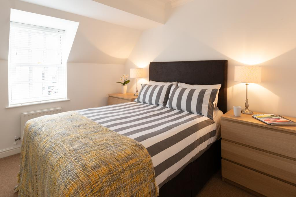 Luxury-Accommodation-St-Albans ---Chime-Square-Apartments-near-Highfield-Park---Urban-Stay-4