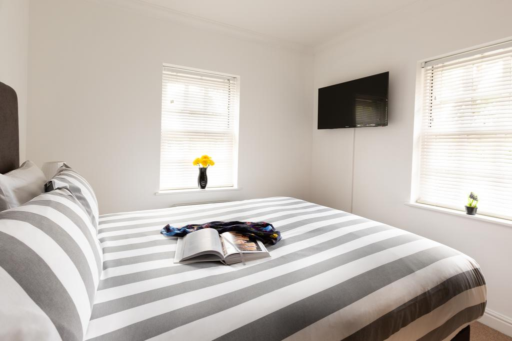 Luxury-Accommodation-St-Albans ---Chime-Square-Apartments-near-Highfield-Park---Urban-Stay-7