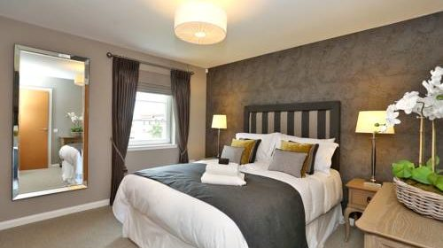 Luxury Apartments Aberdeen - Priory Park Apartments Near Inverurie Golf Club - Urban Stay 3