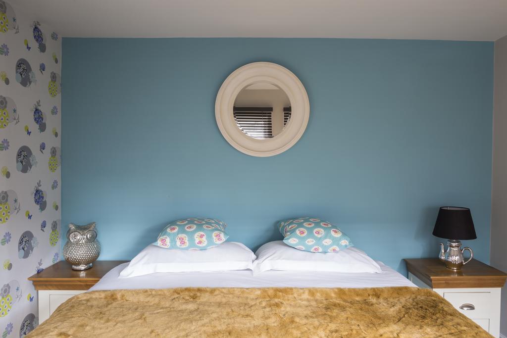 Luxury-Apartments-Bath---Queen-Street-Apartments-Near-The-Circus-Bath---Urban-Stay-7