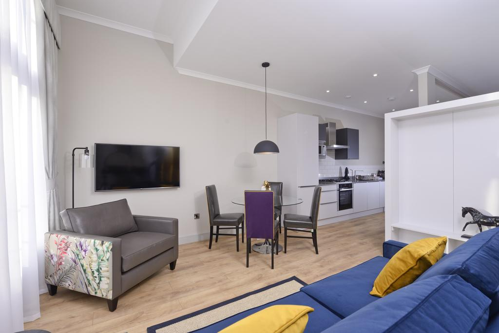 Luxury-Apartments-Edinburgh---Charlotte-Square-Apartments-Near-Royal-Mile---Urban-Stay-18