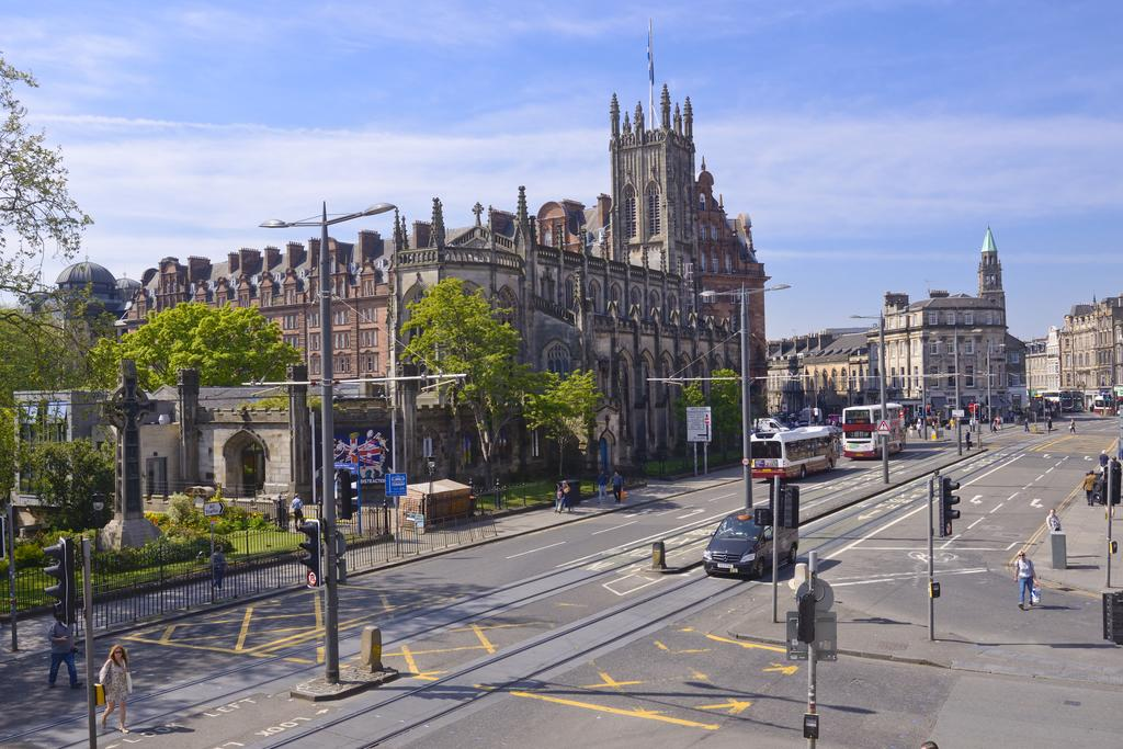 Luxury-Apartments-Edinburgh---Charlotte-Square-Apartments-Near-Royal-Mile---Urban-Stay-2