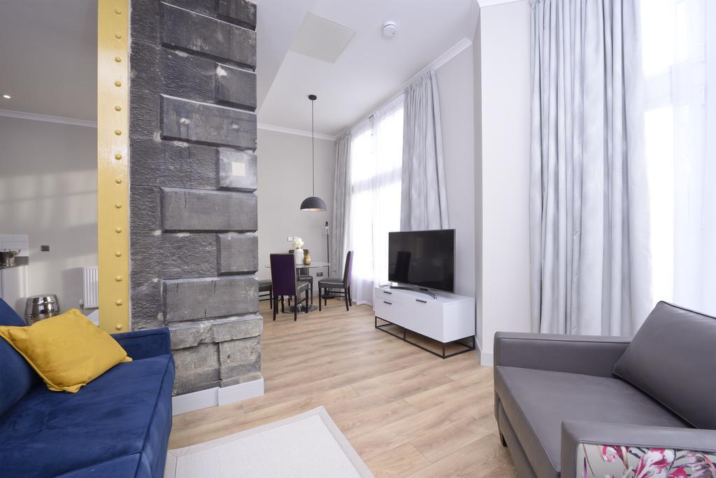 Luxury-Apartments-Edinburgh---Charlotte-Square-Apartments-Near-Royal-Mile---Urban-Stay-22