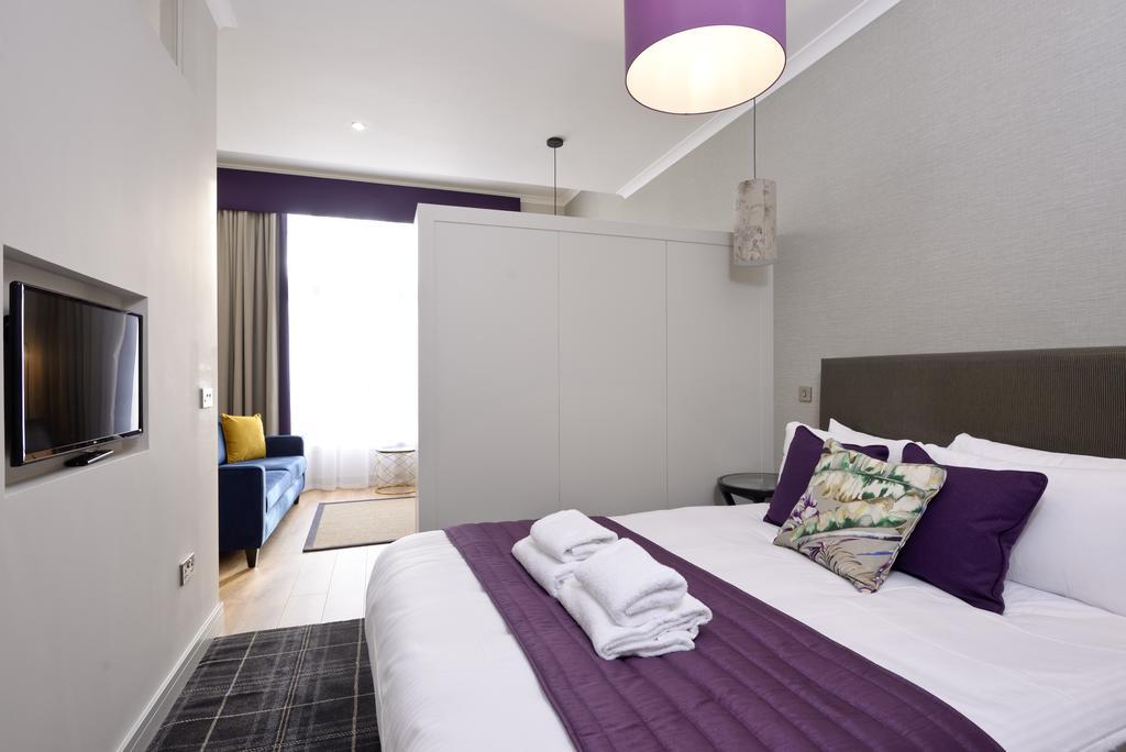 Luxury-Apartments-Edinburgh---Charlotte-Square-Apartments-Near-Royal-Mile---Urban-Stay-6