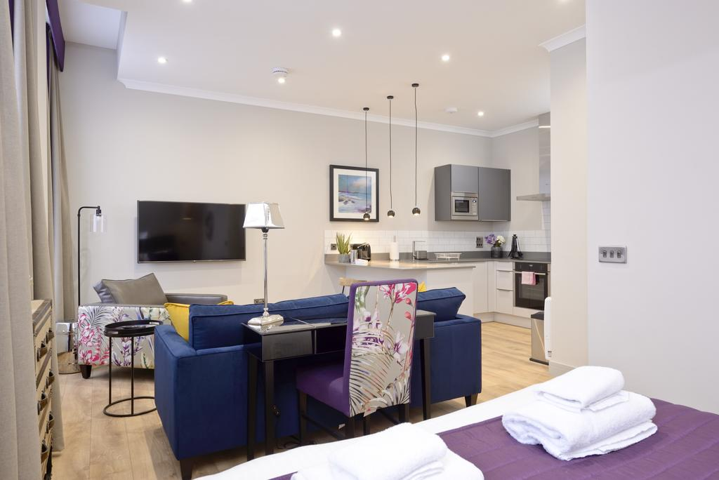 Luxury-Apartments-Edinburgh---Charlotte-Square-Apartments-Near-Royal-Mile---Urban-Stay-8