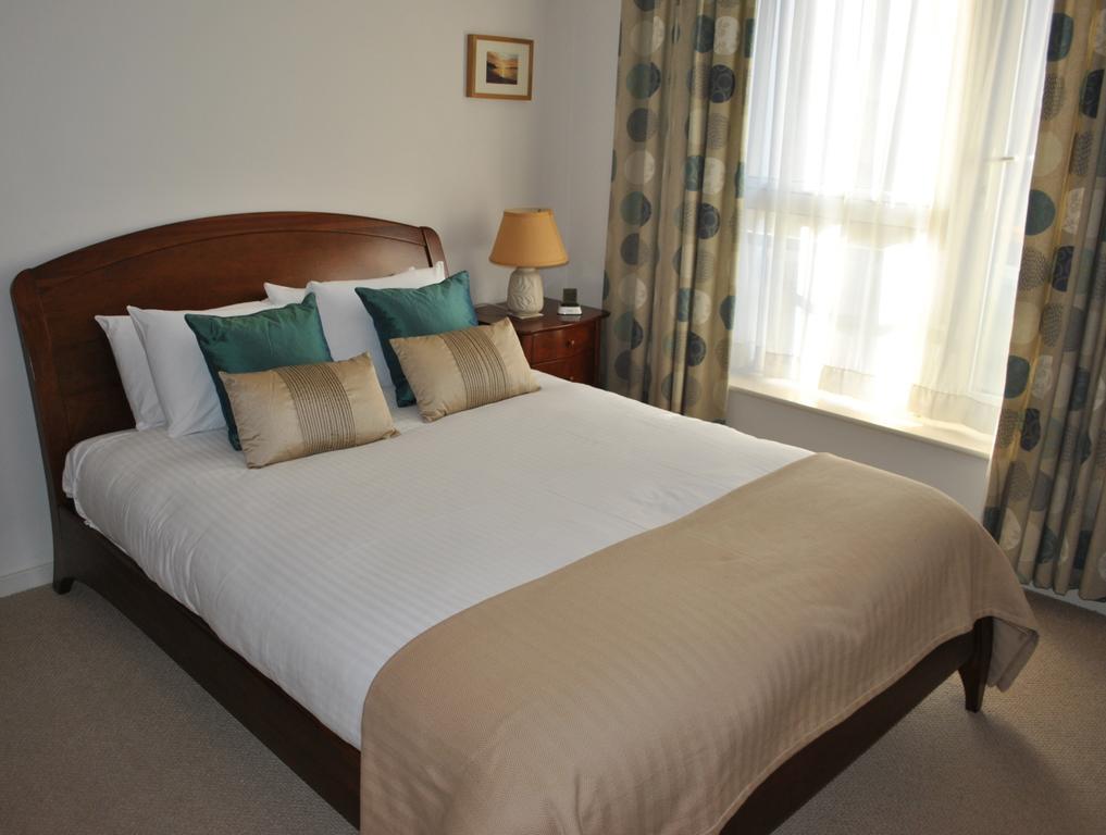 Luxury-Apartments-Edinburgh---Holyrood-Apartments-Near-The-Royal-Mile---Urban-Stay-12