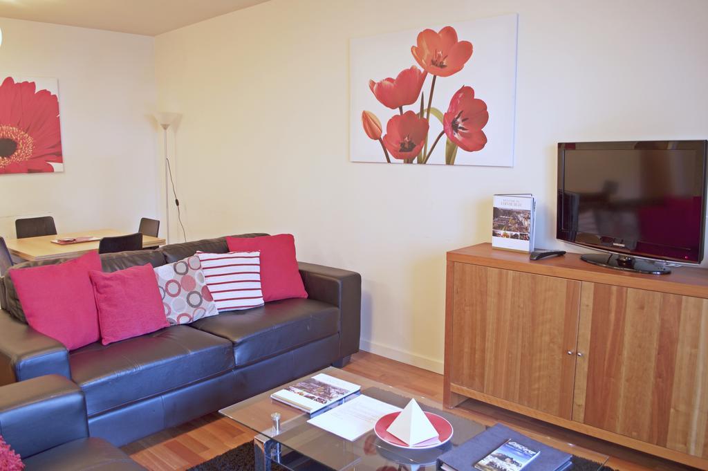 Luxury-Apartments-Edinburgh---Holyrood-Apartments-Near-The-Royal-Mile---Urban-Stay-16