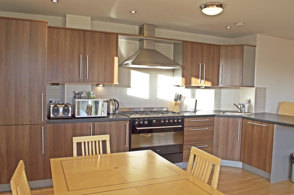 Luxury-Apartments-Edinburgh---Holyrood-Apartments-Near-The-Royal-Mile---Urban-Stay-18