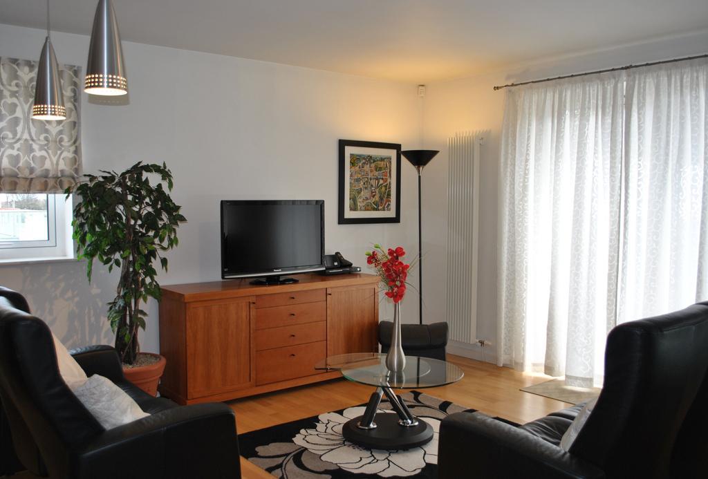 Luxury-Apartments-Edinburgh---Holyrood-Apartments-Near-The-Royal-Mile---Urban-Stay-2
