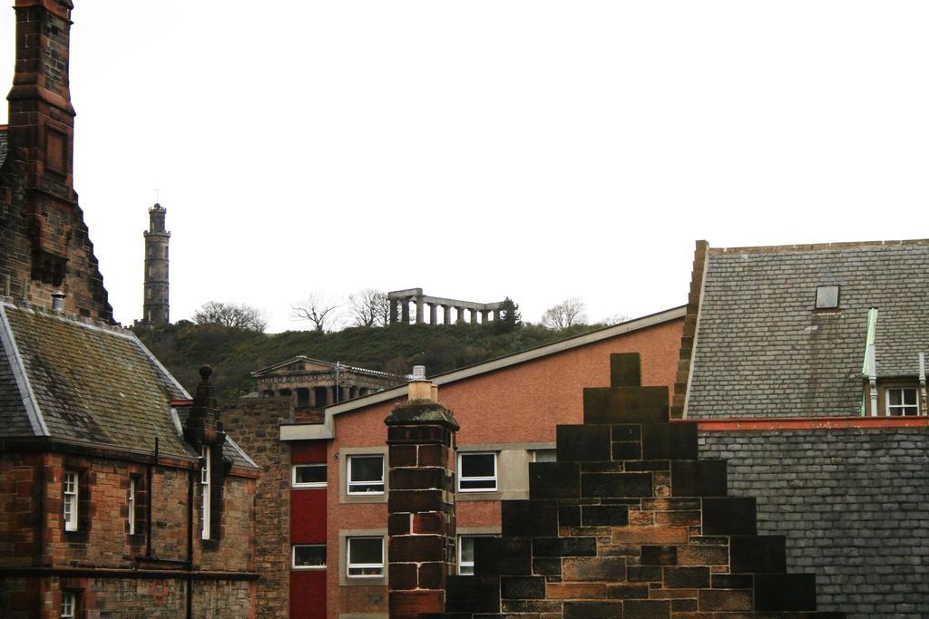 Luxury-Apartments-Edinburgh---Holyrood-Apartments-Near-The-Royal-Mile---Urban-Stay-7
