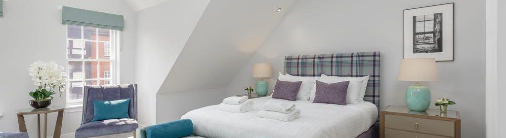 Luxury Apartments Edinburgh-Royal Mile Apartments-High Street-Bishops Close-Urban Stay 1