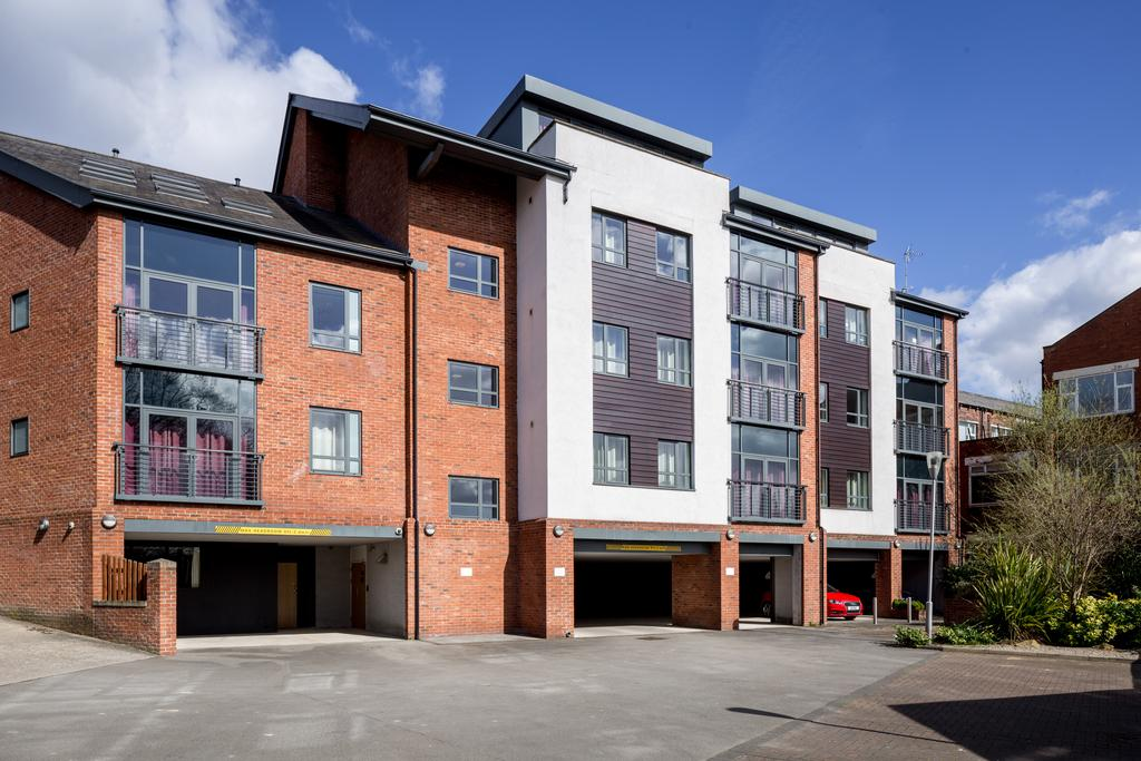 Luxury-Apartments-Leeds---Headingley-Apartments-Near-Trinity-Leeds---Urban-Stay-1