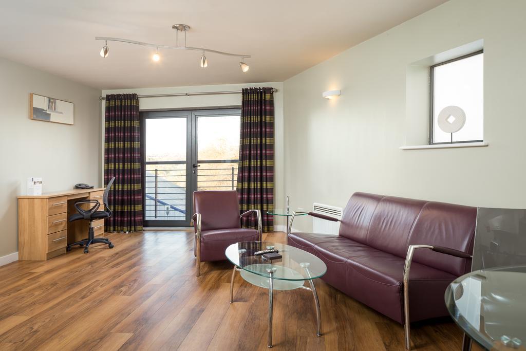 Luxury-Apartments-Leeds---Headingley-Apartments-Near-Trinity-Leeds---Urban-Stay-12