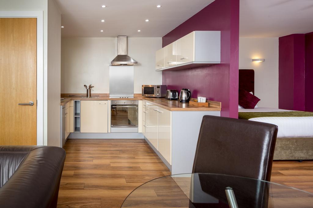 Luxury-Apartments-Leeds---Headingley-Apartments-Near-Trinity-Leeds---Urban-Stay-5