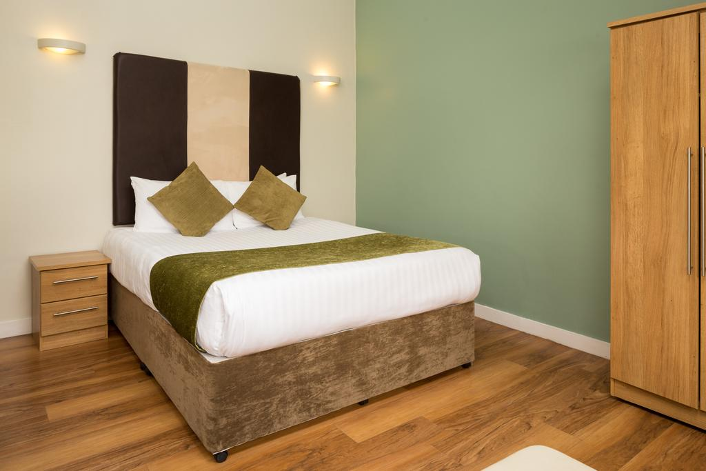Luxury-Apartments-Leeds---Headingley-Apartments-Near-Trinity-Leeds---Urban-Stay-7