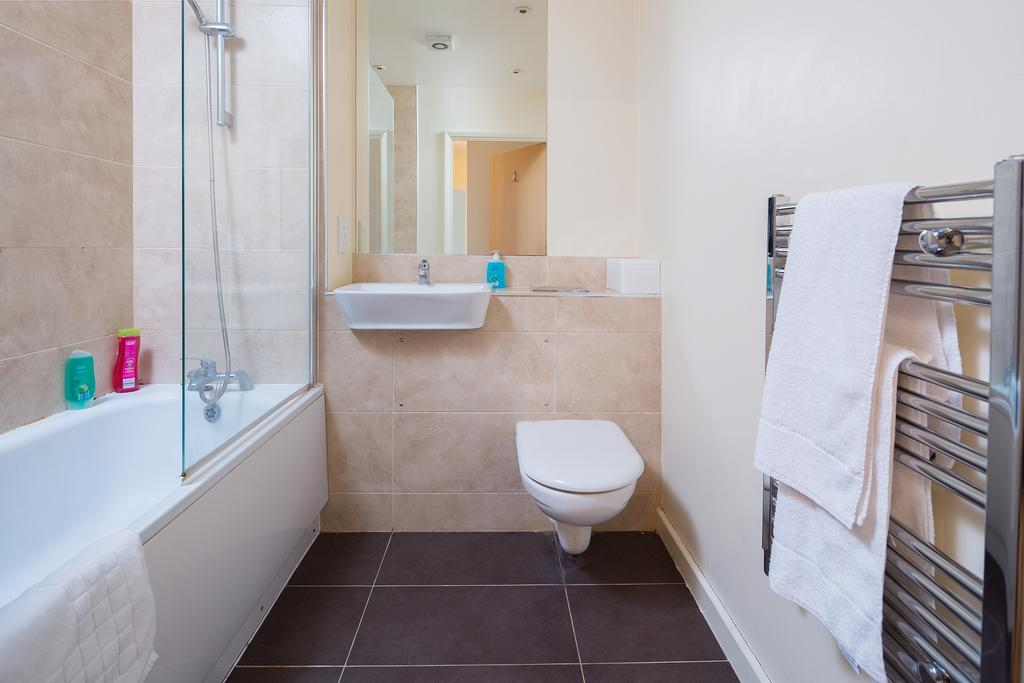Maidstone-Kent-Serviced-Accommodation-Golden-Heights-Apartments-London-Road-Urban-Stay-5Maidstone-Kent-Serviced-Accommodation-Golden-Heights-Apartments-London-Road-Urban-Stay-5