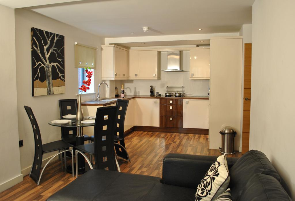 Manchester-Corporate-Accommodation---City-West-Apartments-Near-ManchesterArena---Urban-Stay-1