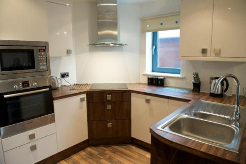 Manchester-Corporate-Accommodation---City-West-Apartments-Near-ManchesterArena---Urban-Stay-11