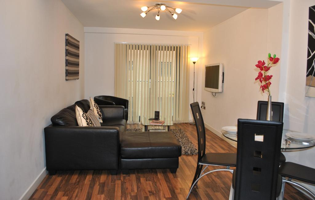 Manchester-Corporate-Accommodation---City-West-Apartments-Near-ManchesterArena---Urban-Stay-3