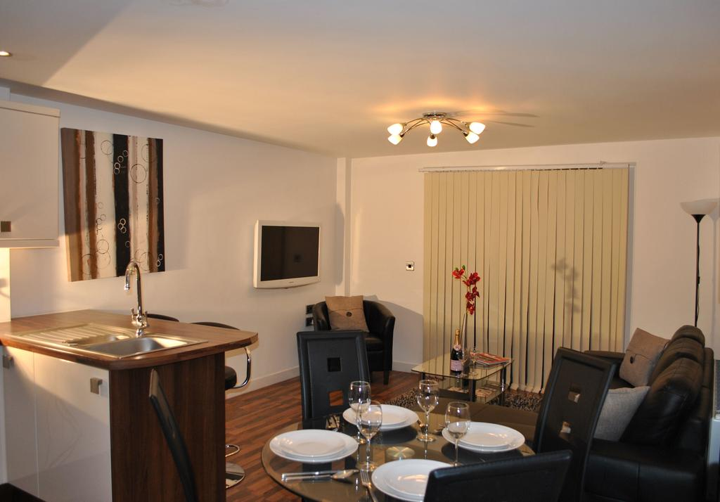 Manchester-Corporate-Accommodation---City-West-Apartments-Near-ManchesterArena---Urban-Stay-4
