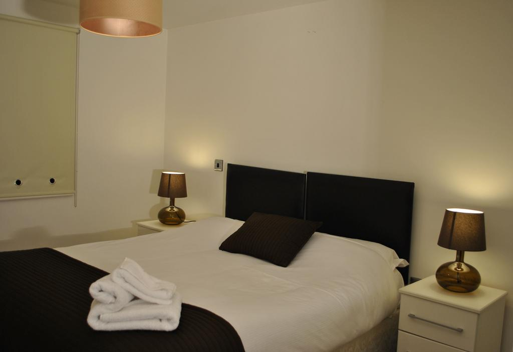 Manchester-Corporate-Accommodation---City-West-Apartments-Near-Manchester Arena---Urban-Stay-5