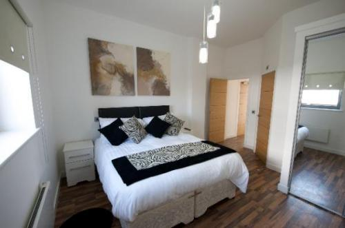 Manchester-Corporate-Accommodation---City-West-Apartments-Near-ManchesterArena---Urban-Stay-7