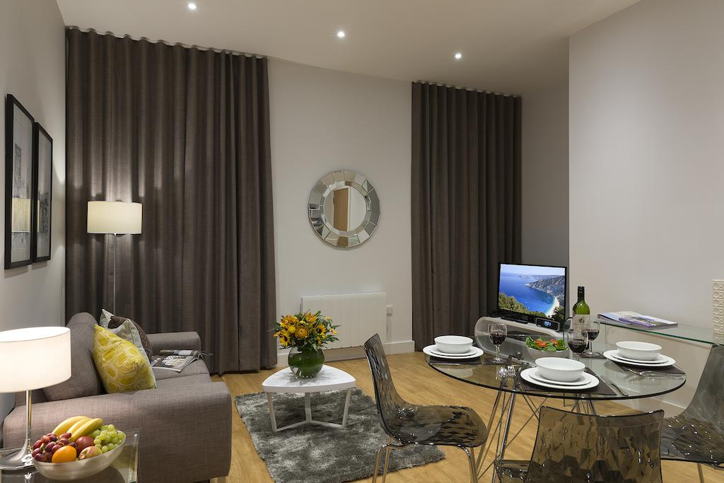 Manchester Serviced Accommodation - Piccadilly Apartments ...