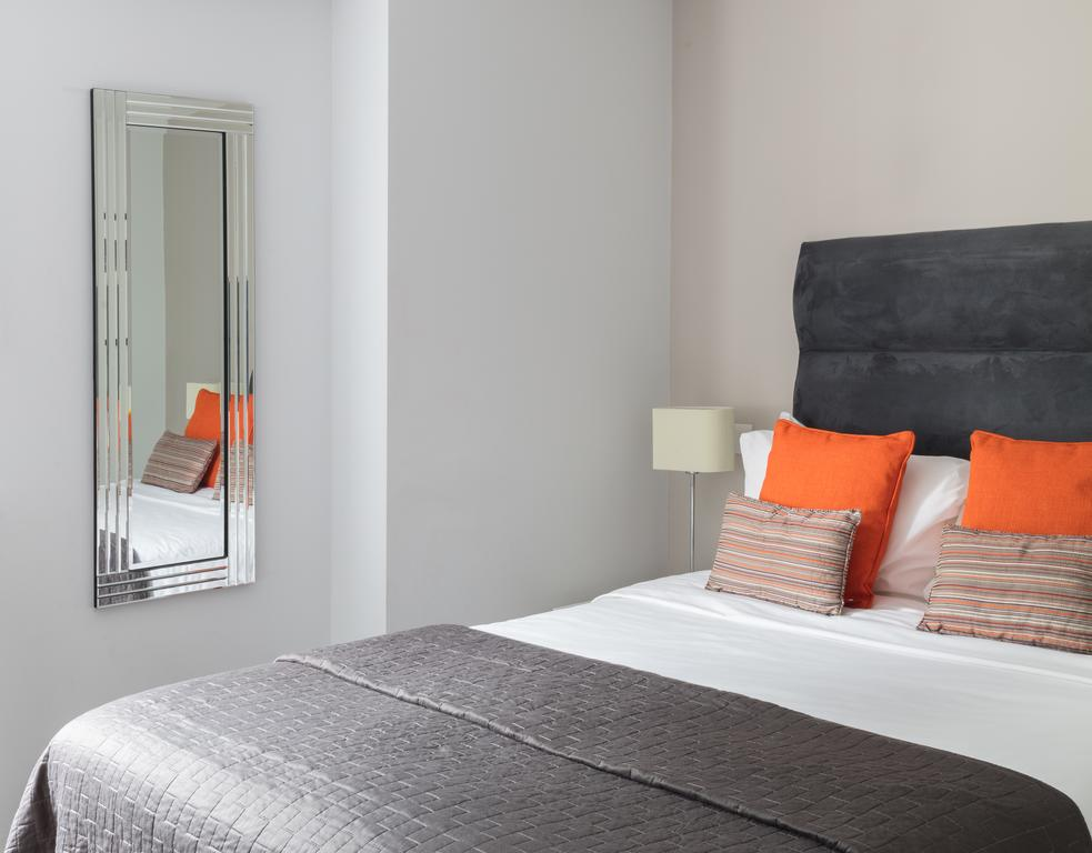 Manchester-Serviced-Accommodation---Piccadilly-Apartments---Urban-Stay-3Manchester-Serviced-Accommodation---Piccadilly-Apartments---Urban-Stay-3