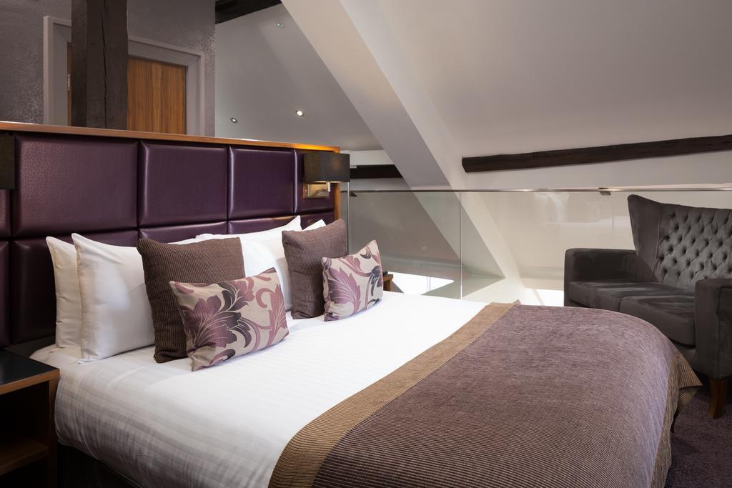 Newcastle-Luxury-Accommodation---Newcastle-City-Apartments-Near-St-James-Park---Urban-Stay-1