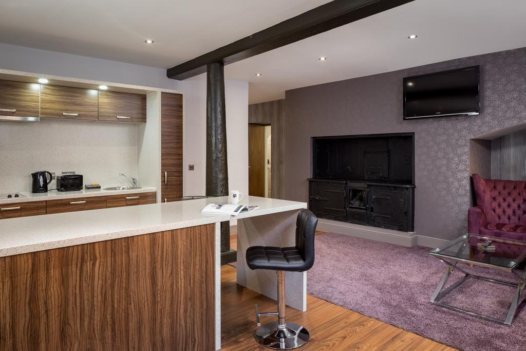 Newcastle-Luxury-Accommodation---Newcastle-City-Apartments-Near-St-James-Park---Urban-Stay-11