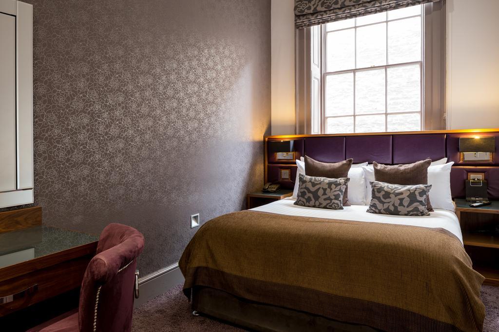 Newcastle-Luxury-Accommodation---Newcastle-City-Apartments-Near-St-James-Park---Urban-Stay-2