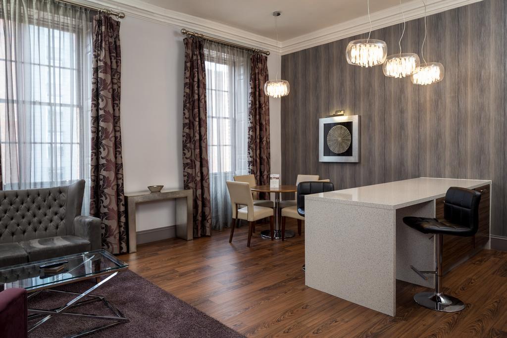 Newcastle-Luxury-Accommodation---Newcastle-City-Apartments-Near-St-James-Park---Urban-Stay-4