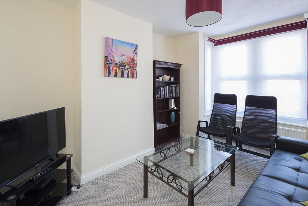 Rochester-Corporate-Accommodation---Rochester-Apartments---Castle-Avenue---Urban-Stay-1
