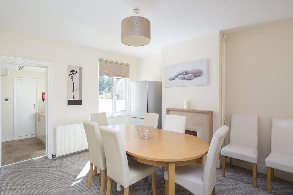 Rochester-Corporate-Accommodation---Rochester-Apartments---Castle-Avenue---Urban-Stay-6