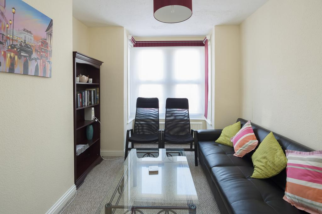 Rochester-Corporate-Accommodation---Rochester-Apartments---Castle-Avenue---Urban-Stay
