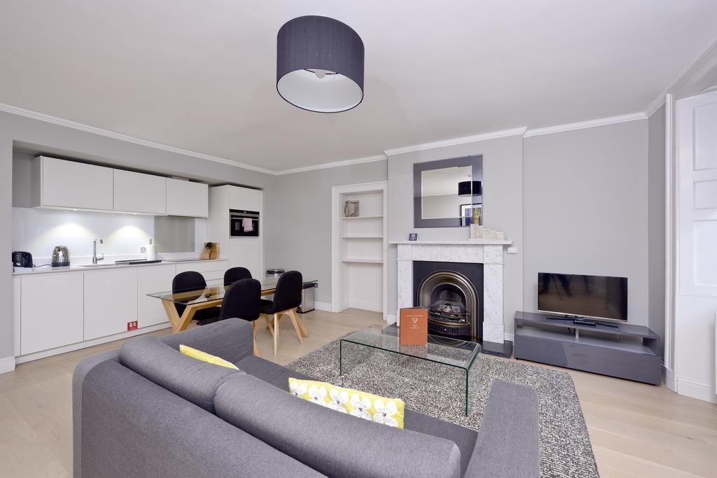 Self-Catering-Accommodation-Edinburgh---Hill-Street-Apartments---Edinburgh-Castle---Urban-Stay-18