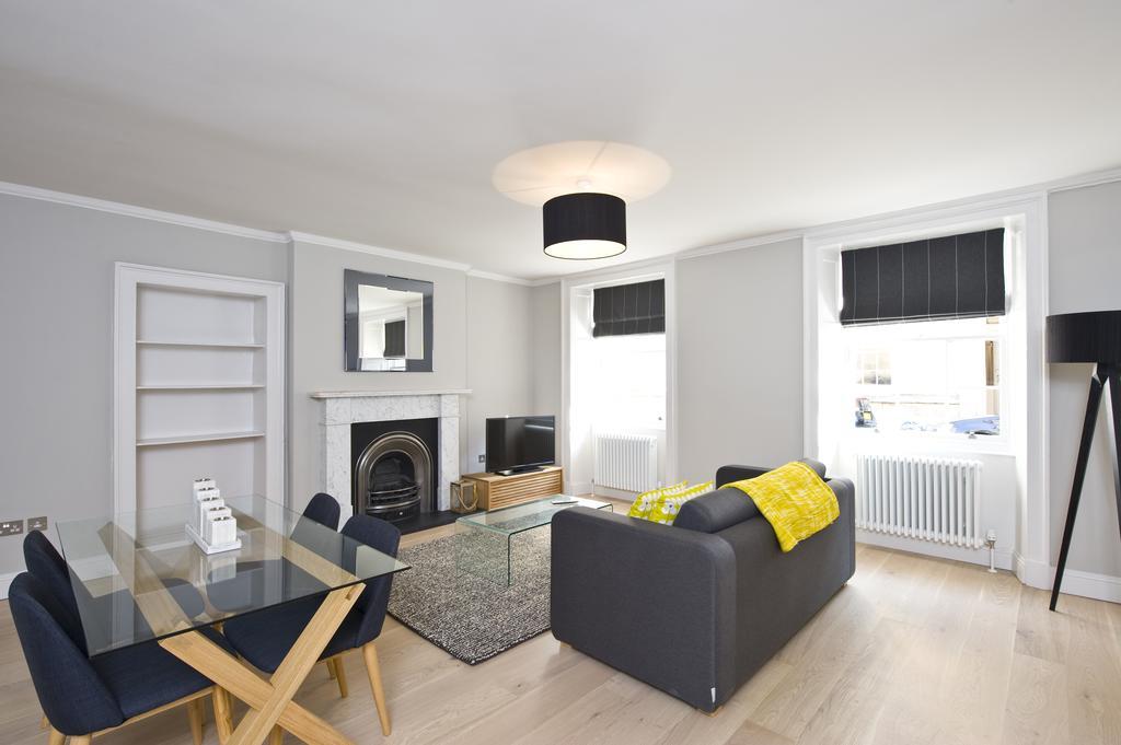 Self-Catering-Accommodation-Edinburgh---Hill-Street-Apartments---Edinburgh-Castle---Urban-Stay-21