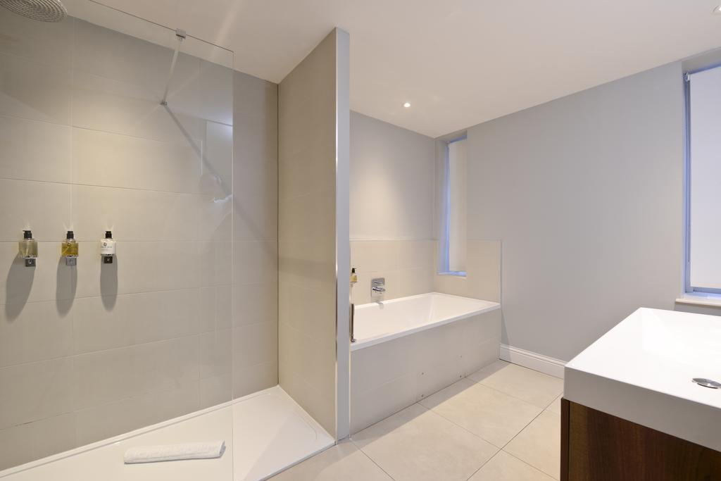 Self-Catering-Accommodation-Edinburgh---Hill-Street-Apartments---Edinburgh-Castle---Urban-Stay-4