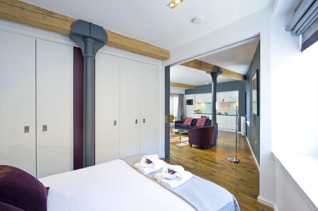 Self--catering-Accommodation-Edinburgh---Malt-House-Apartments---George-Street---Urban-Stay-1