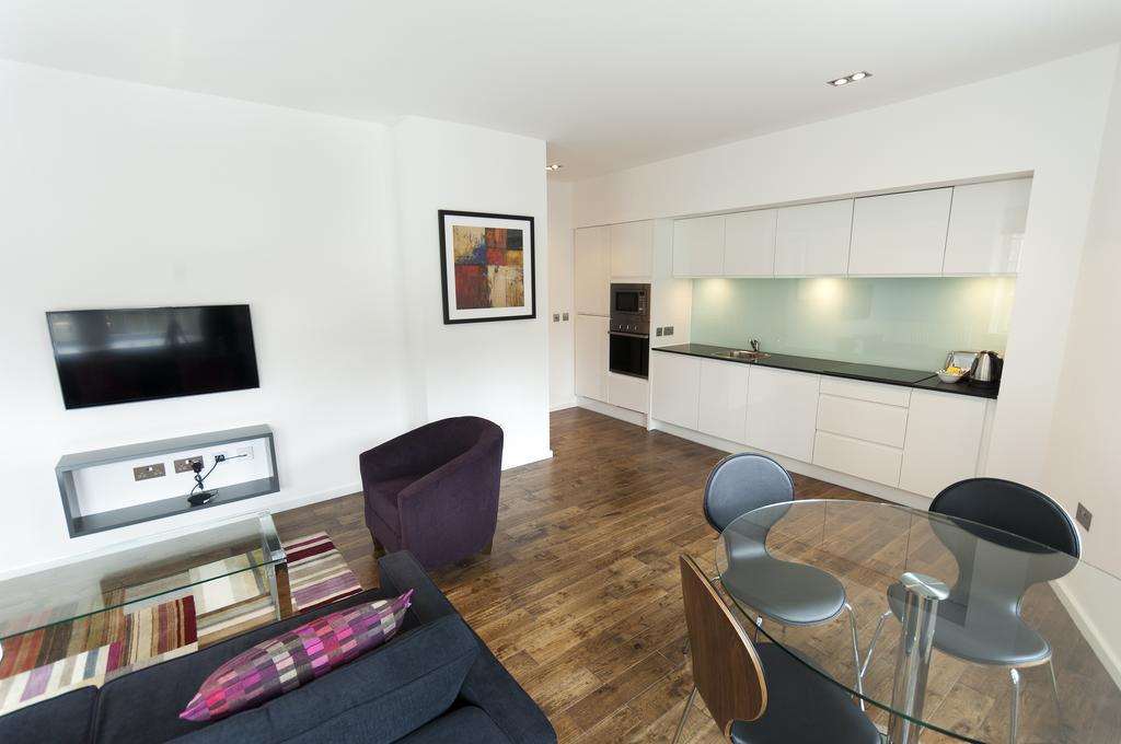 Self--catering-Accommodation-Edinburgh---Malt-House-Apartments---George-Street---Urban-Stay-13