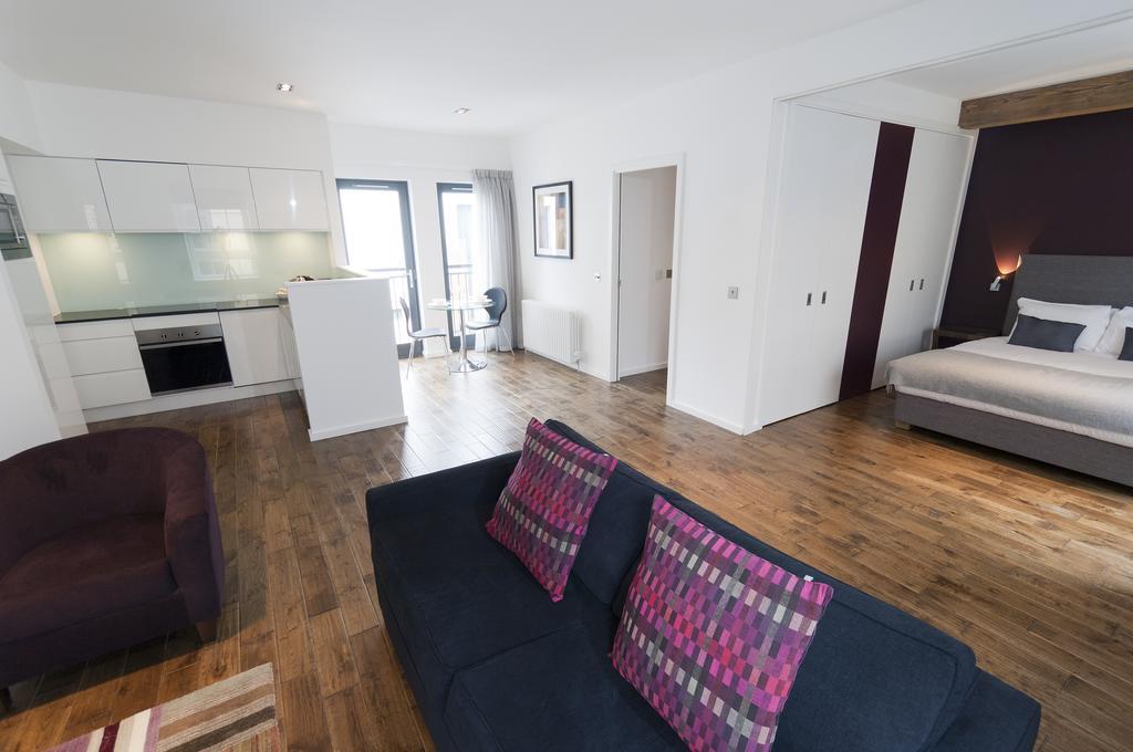 Self--catering-Accommodation-Edinburgh---Malt-House-Apartments---George-Street---Urban-Stay-14