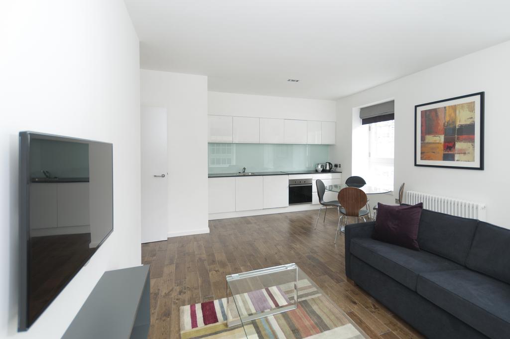 Self--catering-Accommodation-Edinburgh---Malt-House-Apartments---George-Street---Urban-Stay-17