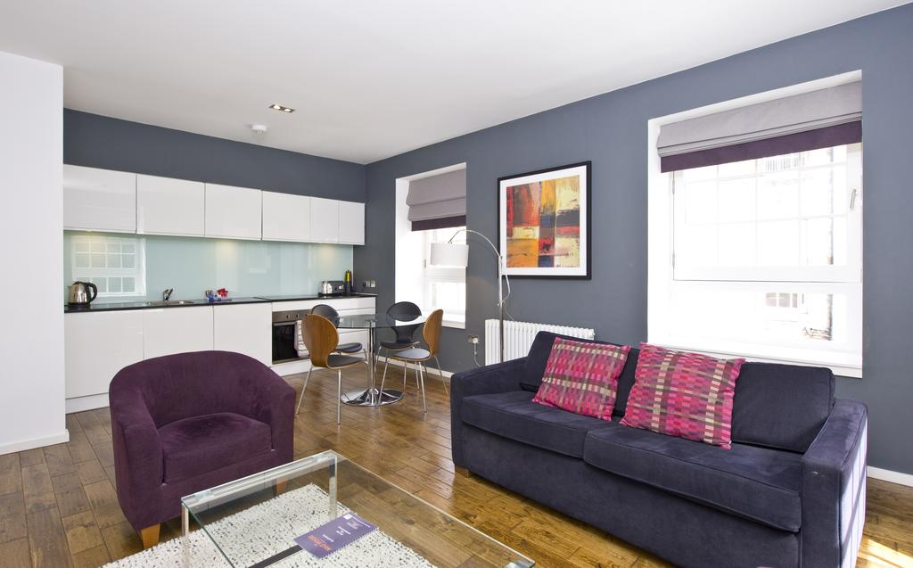 Self--catering-Accommodation-Edinburgh---Malt-House-Apartments---George-Street---Urban-Stay-2