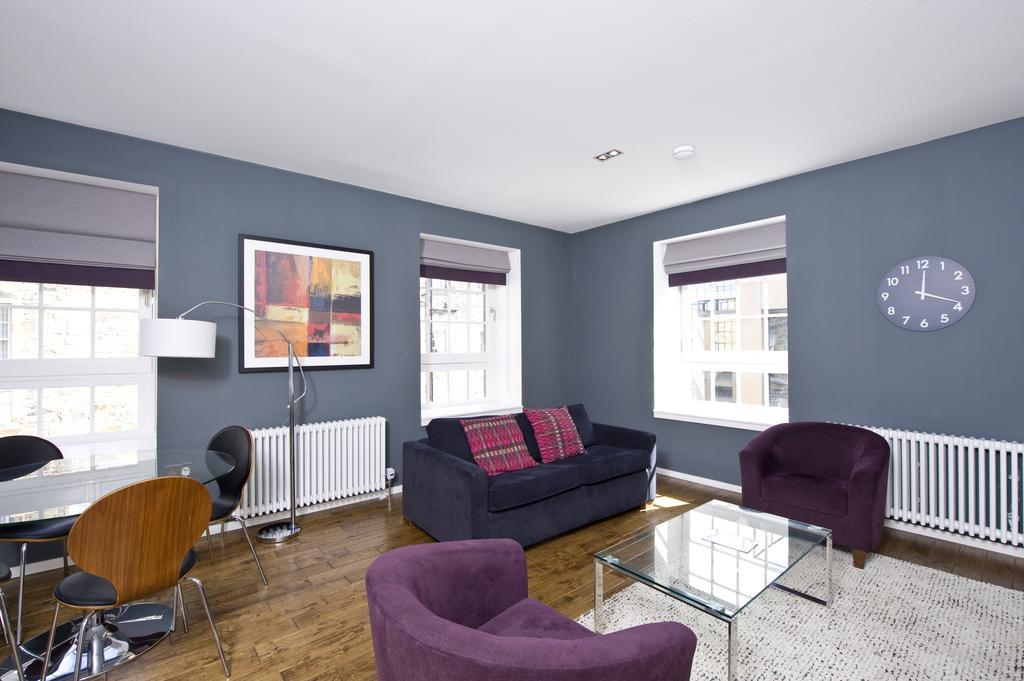 Self--catering-Accommodation-Edinburgh---Malt-House-Apartments---George-Street---Urban-Stay-20
