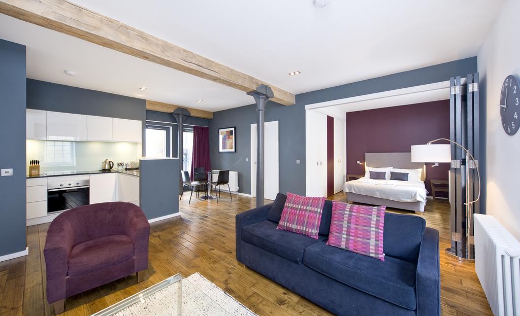 Self--catering-Accommodation-Edinburgh---Malt-House-Apartments---George-Street---Urban-Stay-21